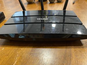 TP-Link Archer C7 Router and Zoom Modem for Sale in Los Angeles, CA