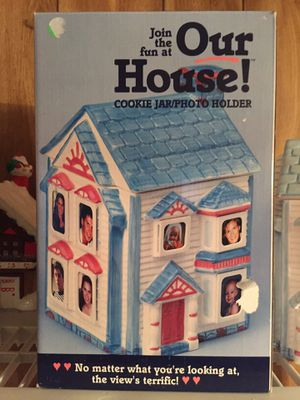 Family cookie jar for Sale in Burbank, IL