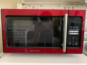 Emerson Microwave - Red for Sale in Lakewood, OH
