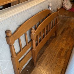 Twin Solid Wood Bunk Beds for Sale in Enumclaw,  WA