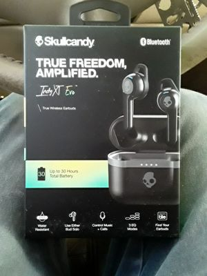 Skullcandy freedom amplified ear buds for Sale in Odessa, TX