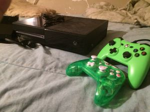 XboxOne - 500gb NEED GONE TODAY $150 works fine no problems for Sale in New York, NY