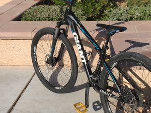 2018 giant ATX Mountain Bike for Sale in Las Vegas, NV