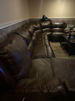 Leather sectional couch for Sale in Dearborn,  MI