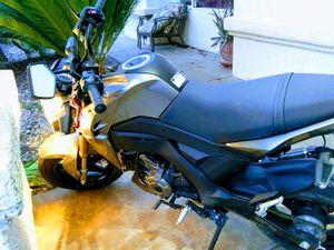 2018 Kawasaki z125 pro (only 815 MI ) for Sale in Las Vegas, NV