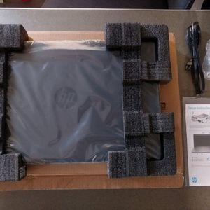 "BRAND NEW HP 17z-ca300 17.3"" LAPTOP COMPUTER - AMD RYZEN 5 4500U, 256 GB SSD, 12 GB RAM for Sale in Phoenix, AZ"
