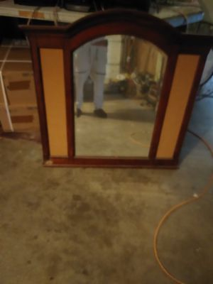 Dresser mirror for Sale in Phoenix, AZ