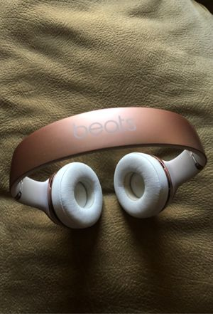 Beats Solo 3 wireless Rose Gold for Sale in Vista, CA