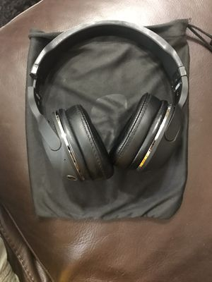 SKULLCANDY OVER THE EAR BLUETOOTH HEADPHONES $50 (ORIGINALLY $100) TRADE OFFERS WELCOMED for Sale in Hialeah, FL