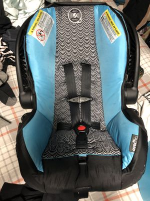 Evenflo Infant Car Seat for Sale in Central Point, OR