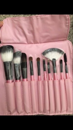 Brand new makeup brush for Sale in Chicago, IL