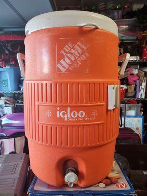 Igloo cooler. for Sale in Rancho Santa Margarita, CA