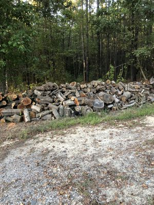 Fire wood seasoned 8 ft pickup cut and split any size load u want for Sale in Moseley, VA