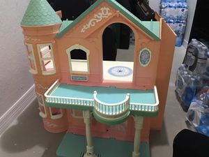 Vintage Barbie Dream house, 1995 for Sale in Boca Raton, FL