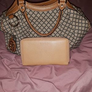 Gucci Purse And Wallet for Sale in Conyers, GA