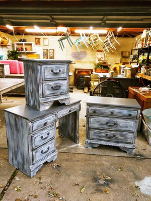 Rustic Bedroom Set Victorian Style! 3pc. Night Stand, Chest of Drawers & Vanity / Desk for Sale in Joliet, IL