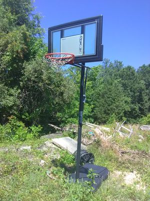 Basketball Hoop freestanding for Sale in Saint Charles, MD