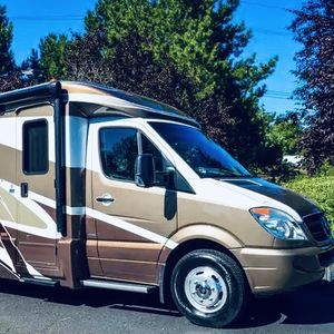2012 Itasca Navion V6 for Sale in Waterbury, CT