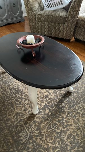 Coffee table for Sale in Brunswick, OH