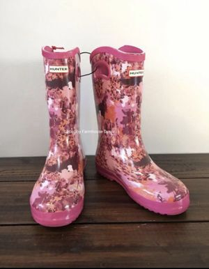 Brand New with Tag Hunter for Target Kid Tall Rain Boots in Patterned Pink for Sale in West Covina, CA