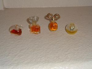 Mini perfume bottles for Sale in Menifee, CA