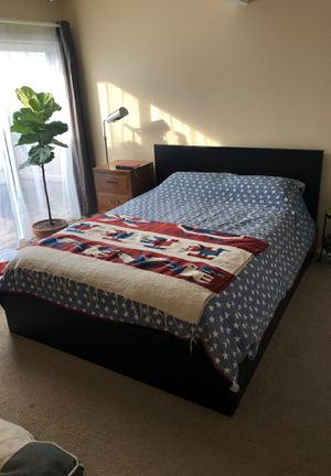 IKEA Malm Bed with storage drawers for Sale in Newport Beach, CA