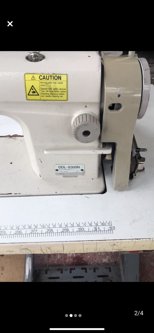 Maquina de coser sencilla for Sale in McAllen, TX - OfferUp
