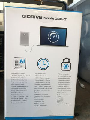 G DRIVE 4TB TABLE TOP AND MOBIL for Sale in San Fernando, CA