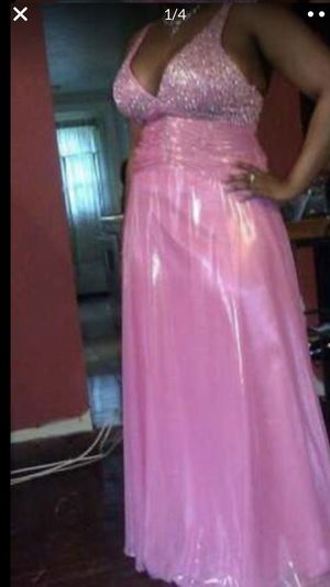 "Ladies size 16 ""ENTICE"" gown for Sale in Malden, MA"