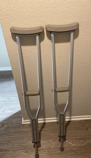 "Medline MDSV80535 Standard Aluminum Crutches, 5'2""-5'10"" height for Sale in Santa Ana, CA"
