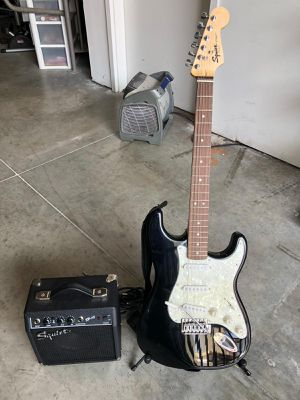 SQUIER GUITAR NEW for Sale in Doral, FL