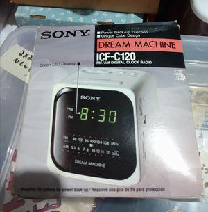 Alarm radio clock for Sale in Fairview, NJ