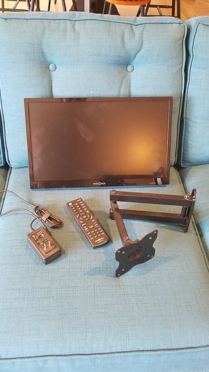 "Insignia 18"" TV for Sale in Washougal, WA"