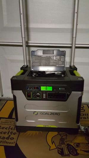 yeti 1250 solar generator/power ( comes with solar panels) for Sale in Fresno, CA