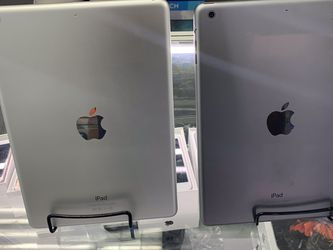 Apple iPad Air 2nd Gen for Sale in Queens,  NY