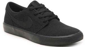 Mens sneakers NIKE for Sale in Queens, NY