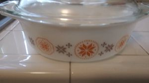 Old casserole Pyrex dish mint condition for Sale in Upland, CA