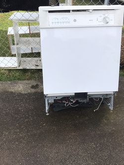 Free Dishwasher For Scrap for Sale in Gresham,  OR