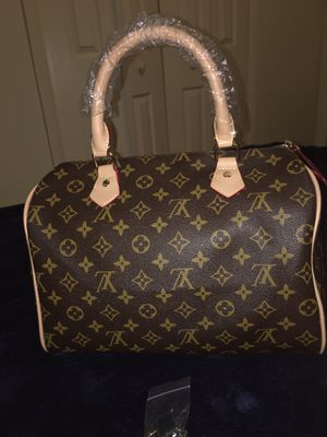 Louis Vuitton hand bag for Sale in Tampa, FL