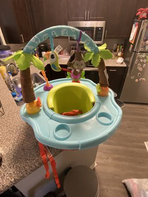 Summer 3-1 Stage Deluxe Super Seat Wild Safari Booster Seat tray toys for Sale in Arlington, TX