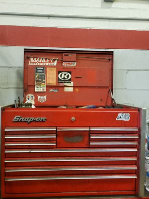 SNAP ON TOP TOOL BOX for Sale in Chicago, IL