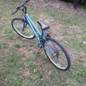 Mount Fury Roadmaster Bicycle 15 Speed 26in Bicycle for Sale in Houston, TX