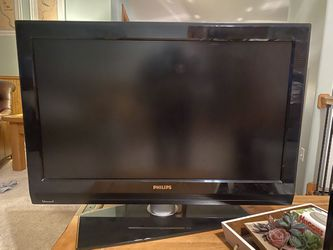 37 Inch Tv for Sale in Wenatchee,  WA
