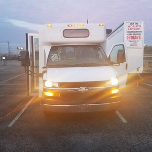 2012 Chevy Express 13 passenger Bus for Sale in Middleburg Heights, OH