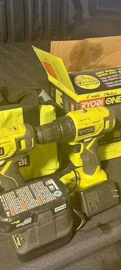 2-Tool Combo Kit w/ drill/driver, Impact Driver for Sale in Murfreesboro,  TN
