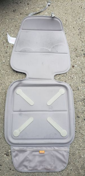 Munchkin elite car seat guardian protector beige for Sale in Barrington, IL