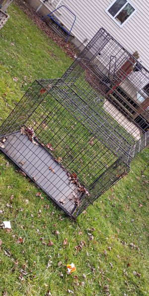 Big kennel up to 90 pound dog. And medium kennel up to 60 pounds. for Sale in Round Lake Heights, IL
