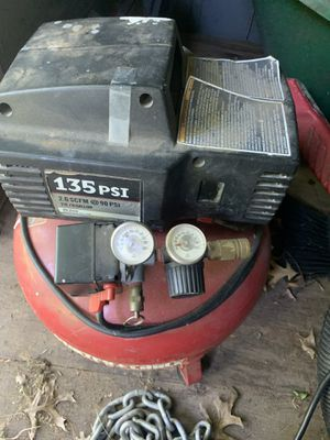 Air Compressor w/ Hoses for Sale in Overland, MO