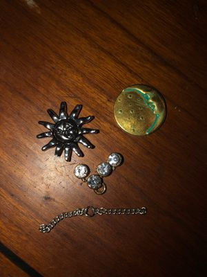 Sun charm, Moon Charm, 4 cubic charms and extra chain link for Sale in Plainfield, IL