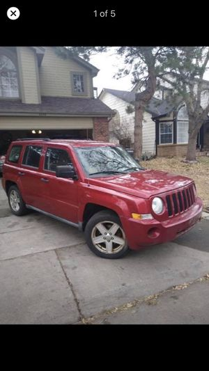 Jeep Patriot 4 x 4 2010 manual only 73k miles for Sale in Aurora, CO